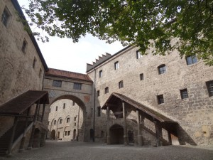 Burghof der Hauptburg