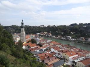 Blick auf die Altstadt mit der Salzach